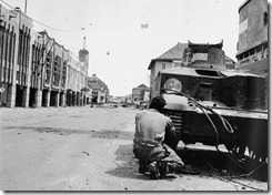 582px-IWM-SE-5865-tank-Surabaya-19451127